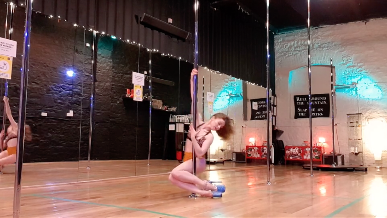 pole dance online class mermaid spin