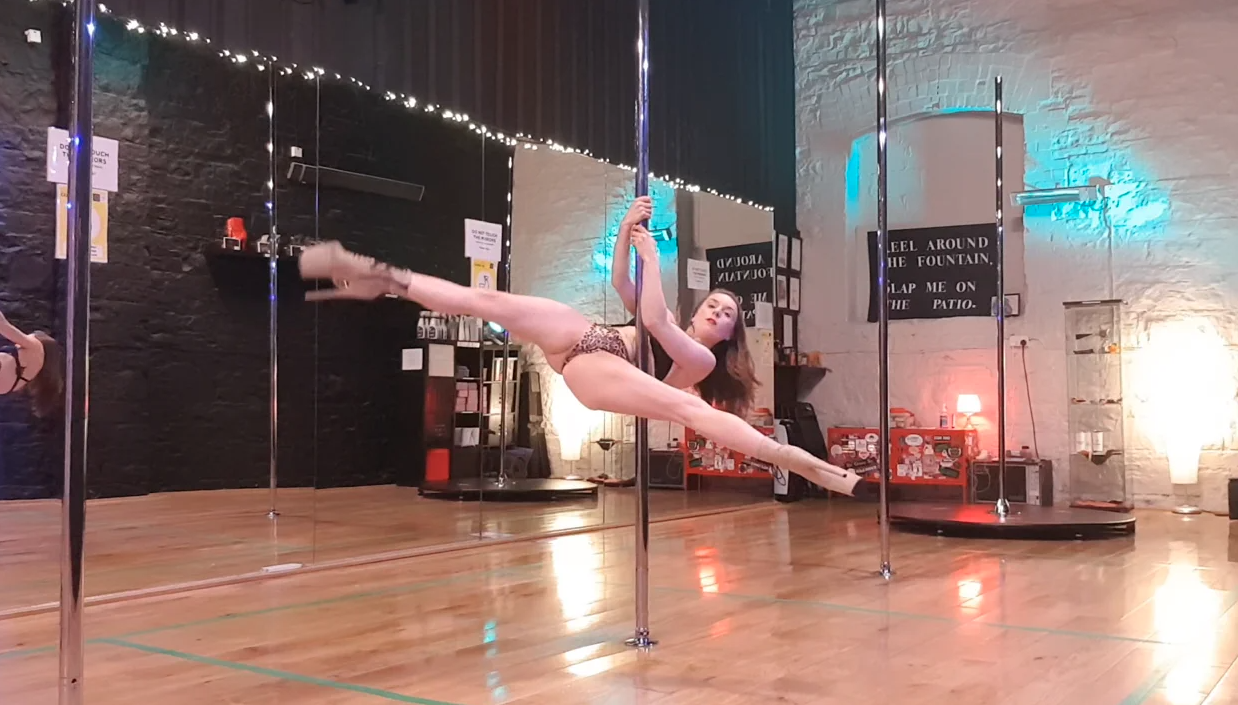 advanced pole dance choreography class december 2020