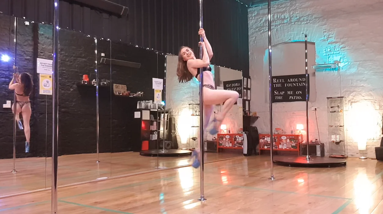 improver level pole dance choreography lesson december 2020