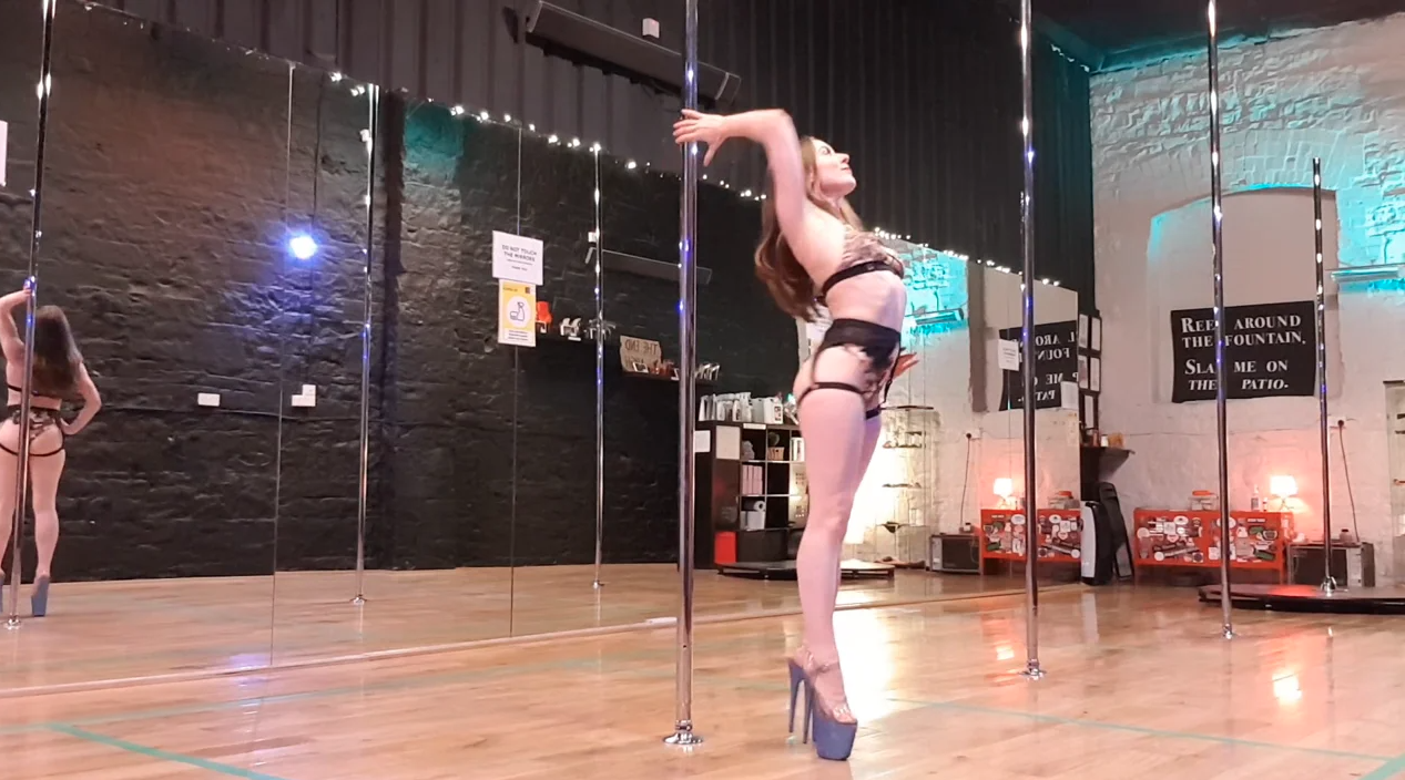 waiter pirouette pole dance tutorial