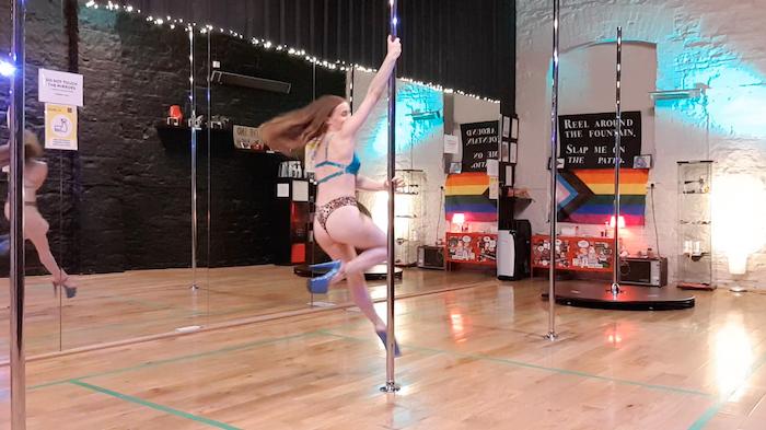 pole dance tutorial pony legs spin